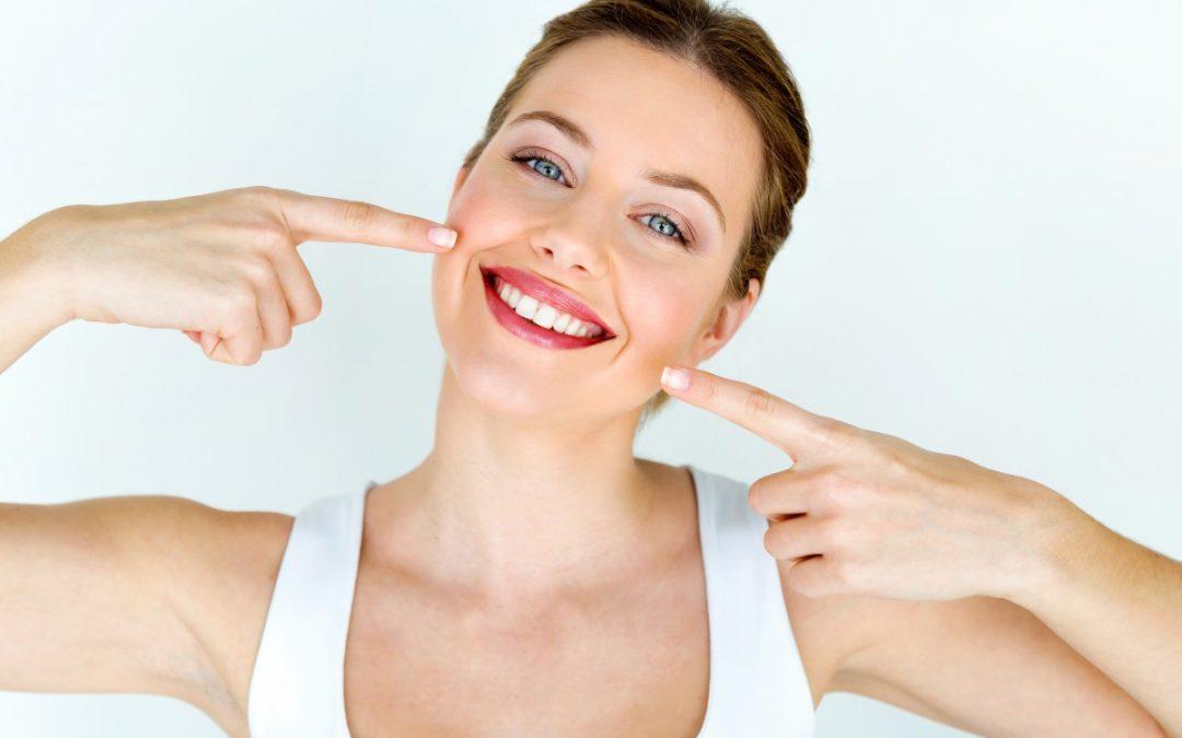 ¿Estás buscando una clínica de estética dental?