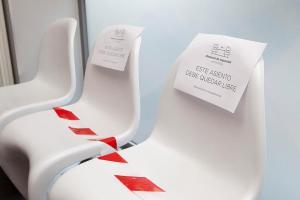 Distancia de seguridad en sala de espera